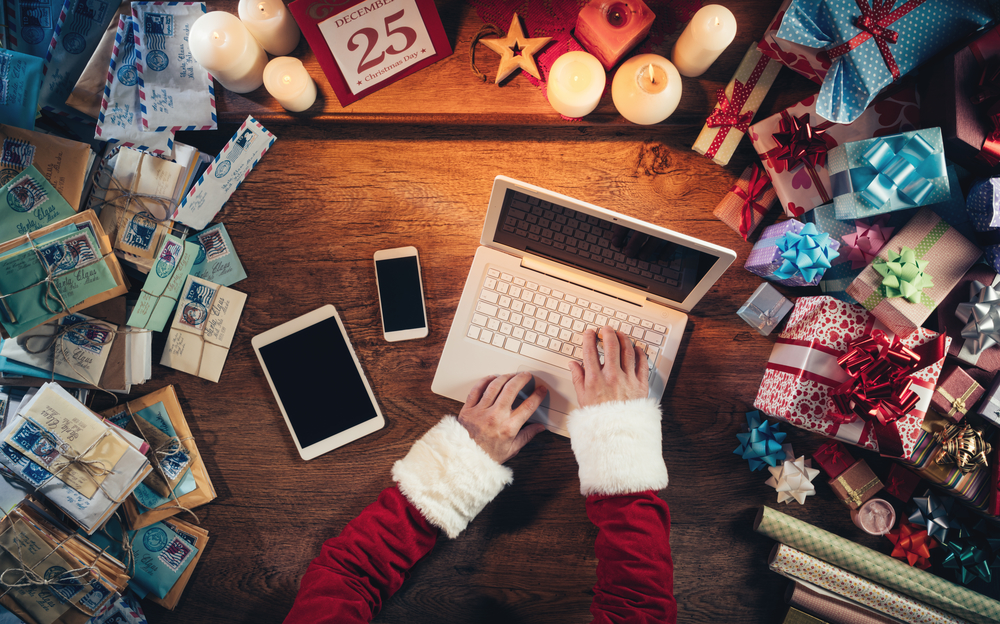 Should You Put Your Job Search on Hold During the Holidays?