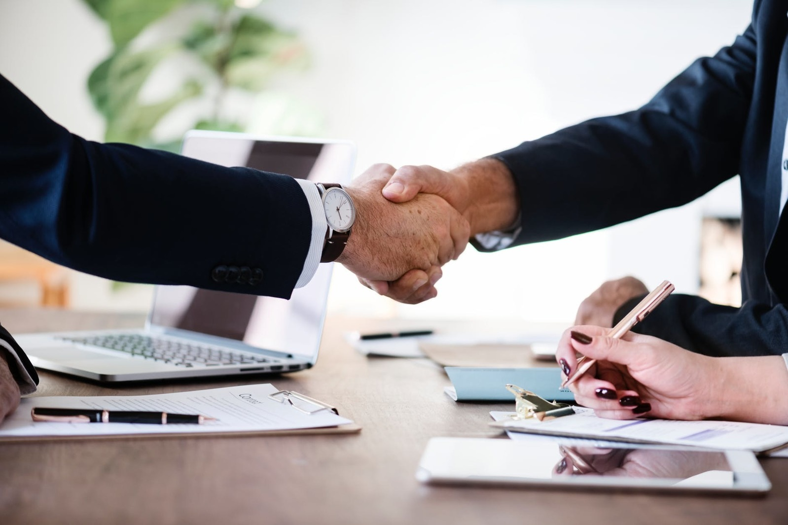 5 Reasons to Use a Recruitment Agency