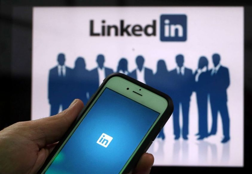 Women are less aggressive than men when applying for jobs, despite getting hired more frequently: LinkedIn